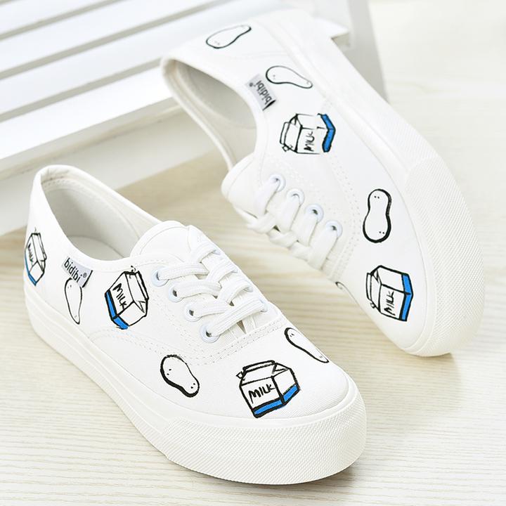 厚底松糕手绘帆布鞋 当牛奶邂逅面包,这款夏季小白鞋就有故事了~不