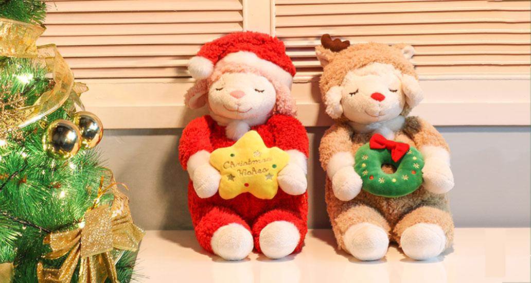 哈哈哈~超美又萌的圣诞礼物~日本LIVHEART丽芙羊系列,圣诞节好惊艳的玩偶礼物~等等,不只是玩偶,还是变成抱枕!!!瞅瞅这治愈系的表情,还可爱的小星星,萌萌的圣诞帽,细节也很惊喜,摘下帽子就有小鹿角哦~圣诞礼物感真是没谁有它强了~2016年专属限定款,手慢无,请加快速度~麋鹿羊和圣诞羊,总要撬走一只送给心爱的她~
